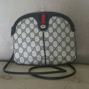 Vintage Gucci GG Supreme Crossbody Clutch Bag